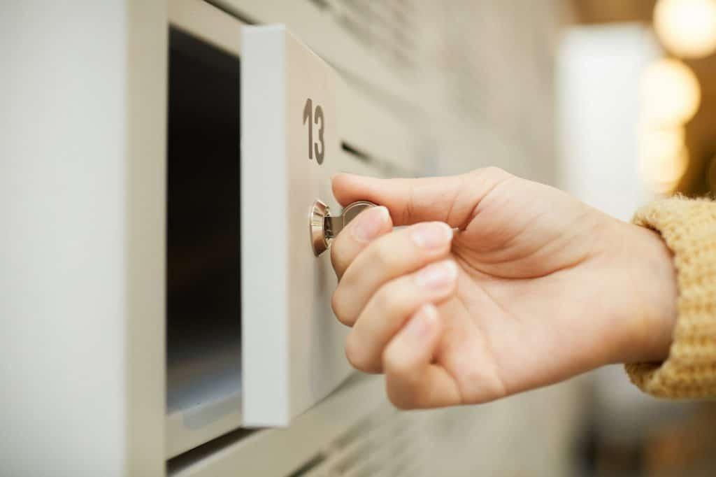 Locking personal safe